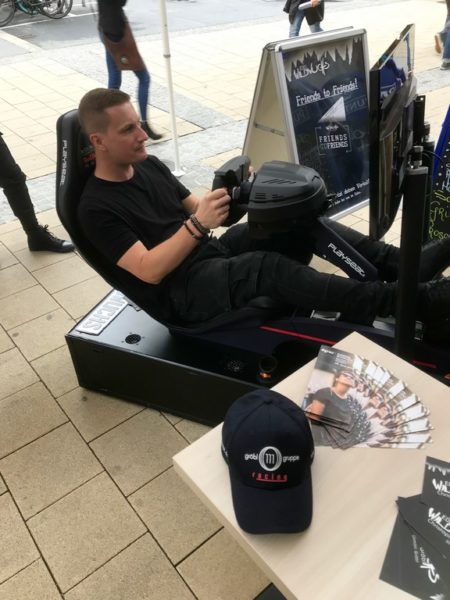 Christopher Gröbl am Red Bull Formel 1 Simulator (Foto WildWuchs)