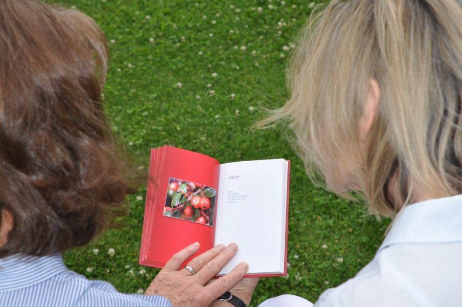 Die Bücher von Huberta Gabalier enthalten sehr einfühlsame Gedichte (Foto Reinhard Sudy)