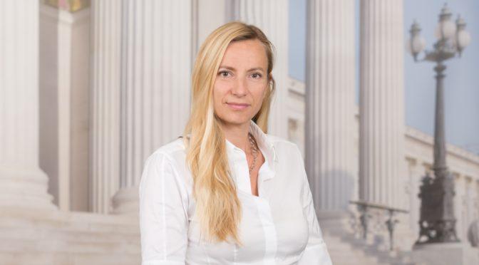 Juliane Bogner-Strauß: Ministerin für Frauen, Familien und Jugend
