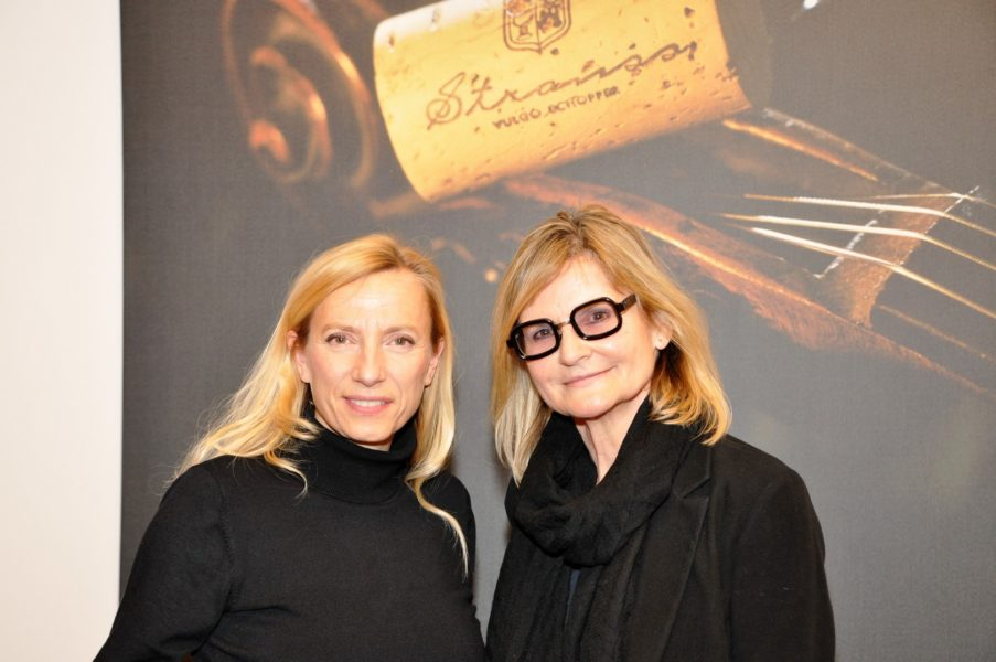 Ich führe das Interview mit Juliane Bogner-Strauß im stylisch-gemütlichen Verkostungsraum im heimatlichen Weingut Strauss (Foto Reinhard Sudy)