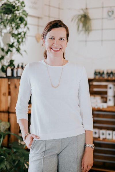 MANGOLDS, mit Inhaberin Julia Pengg, bietet jetzt nicht nur MangoldsMomente an, sondern für Veranstaltungen - inklusive Catering - auch die großzügigen Räumlichkeiten in der Grazer Griesgasse. (Foto MANGOLDS/ LUPI SPUMA)