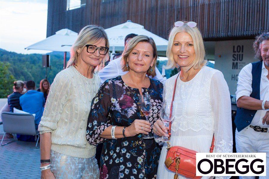 Journalistin und Bloggerin Hedi Grager, VINOBLE Cosmetics-Chefin Luise Köfer und Mode-Expertin Helga Kresnik waren von der neuen Ausgabe OBEGG - Best of Südsteiermark begeistert (Foto Moni Fellner)