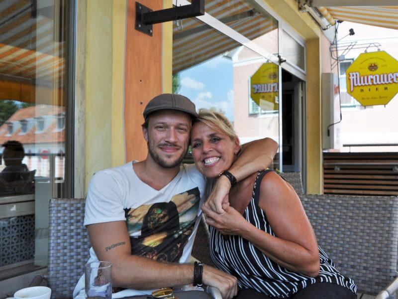 Alessandro Painsi und seine Mama, die ihn immer unterstützt, haben ein sehr inniges Verhältnis (Foto Reinhard Sudy)