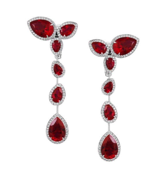 Atelier Swarovski by Penelope Cruz - Long Drop Earrings - Created Ruby (Foto Atelier Swarovski)