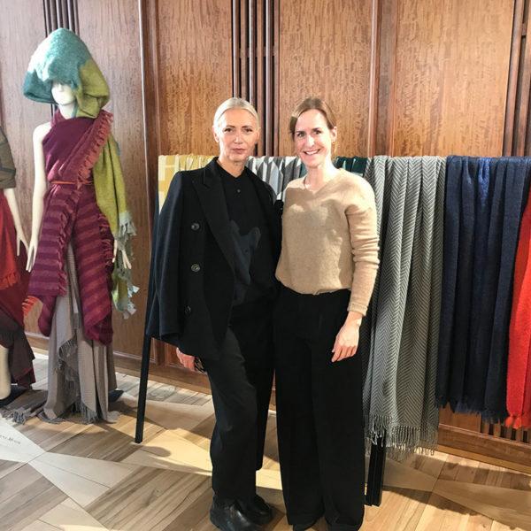 Designerin Catharina Mende mit Vogue-Chefredakteurin Christiane im Vogue Salon im Jänner 2018 (Foto Julia Malysch)