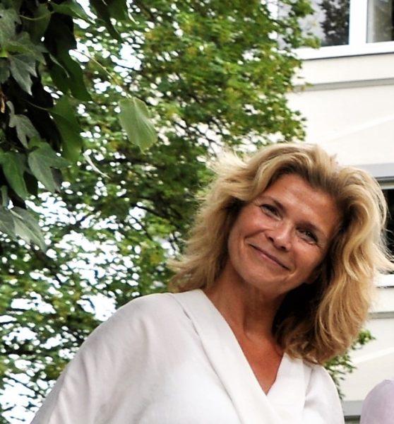 Dr. Ulrike Kuttler liebt Sport und hat eine Trainerausbildung für bodyart, einem exzellenten Ganzkörpertraining (Foto Reinhard Sudy)