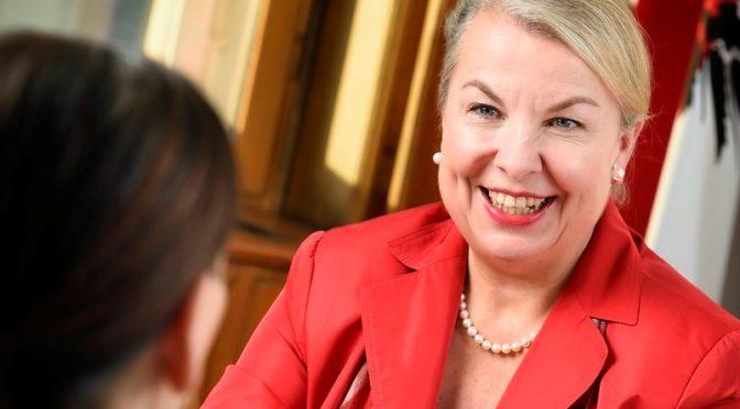 Mag. Beate Hartinger-Klein – Bundesministerin für Arbeit, Soziales, Gesundheit und Konsumentenschutz