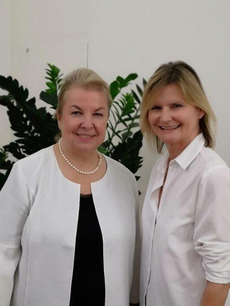 Ich besuchte Mag. Beate Hartinger-Klein in ihrem Büro, wo ich mit ihr über ihre Karriere und auch über Privates plauderte (Foto privat)