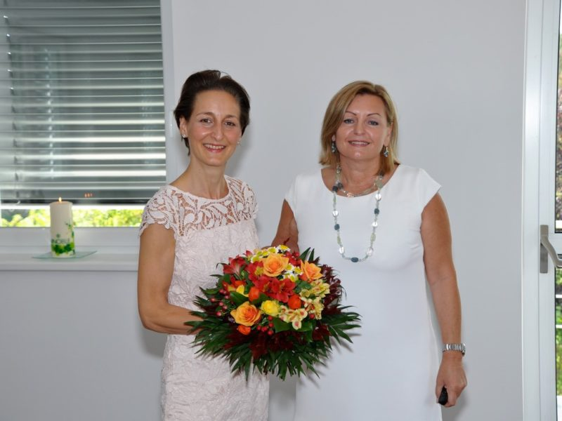 Vinoble-Gründerin Luise Köfer (re) mit ihrer Vertriebs- und Marketing-Chefin Heidi Schaller (Foto Reinhard A. Sudy)