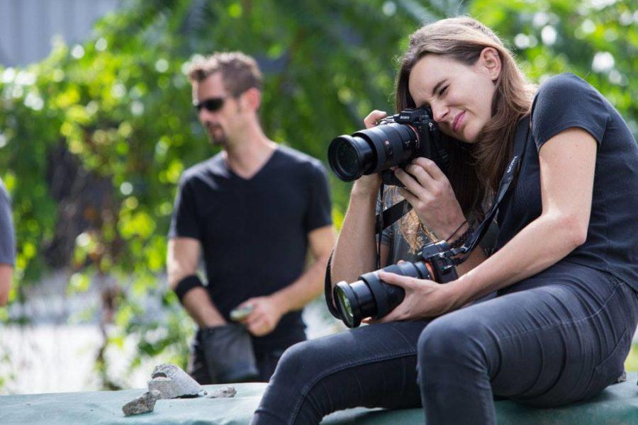 """Lauren Klocker: """"Da ich noch nie bei einem Workshop dieser Art war, konnte ich einiges für mich mitnehmen - sowohl filmtechnisch als auch über den Bereich Fotografie."""" Im Bild mit Mathias Kniepeiss. (Foto Tom Weilguny)"""