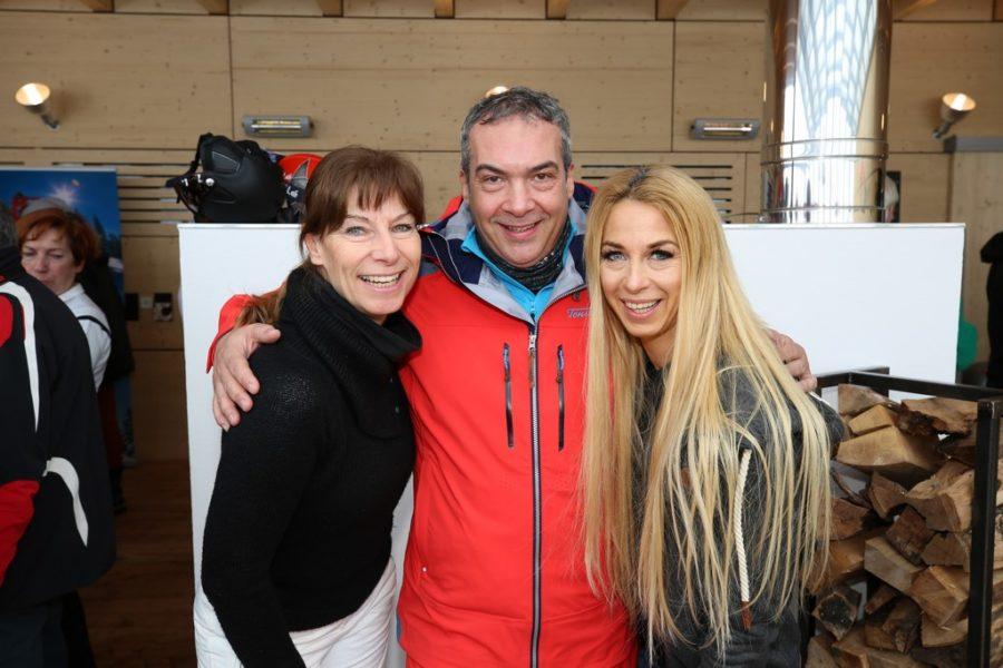 Auch die ehemalige Eiskunstläuferin Claudia Krostofics-Binder, Haubenkoch Robert Letz und 'Dancer against Cancer'-Organisatorin Yvonne Rueff nahmen am Promi-Rennen am Stuhleck teil (Foto Conny de Beauclair)