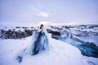 Designerin Eva Poleschinski in ihrem geliebten Island (Foto Oliver Rathschueler)