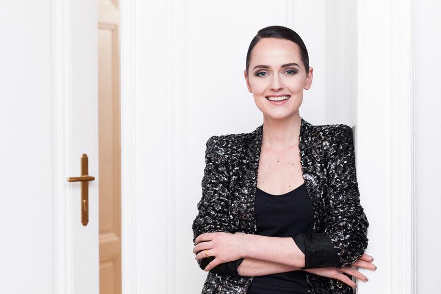 Die international erfolgreiche steirische Designerin Eva Poleschinski hat wieder ein sehr arbeitsintensives und spannendes Jahr hinter sich (Foto Marlene Rahmann)