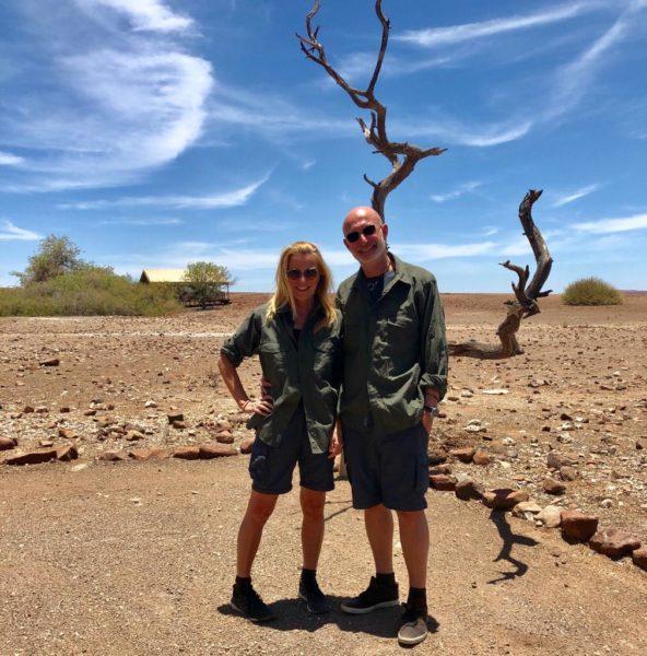 Doris und Gabor Rose feierten Silvester 2018/2019 im Damara Land in Namibia (Foto privat)