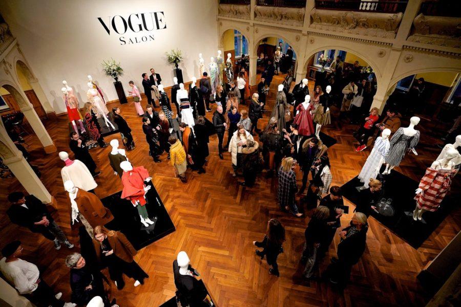 Special Guest des VOGUE Salon war Regina Weber, die ihre Abschlusskollektion der Masterklasse an der Weißensee Kunsthochschule Berlin präsentierte. (Foto Sascha Radke für VOGUE Germany)