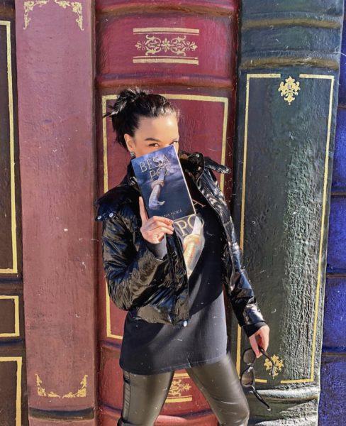 """""""Besa Po"""" is now available at Amazon und Barnes & Noble (Photo Hana Noka)"""