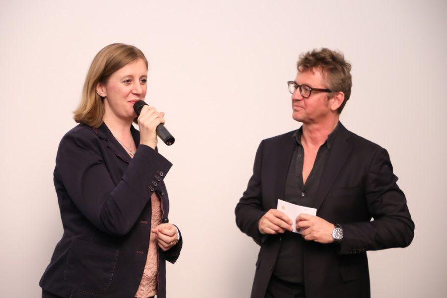Landesrätin Barbara Eibinger-Miedl, im Bild mit Heinrich Ambrosch, bestätigt, dass SOKO Donau seit vielen Jahren ein sehr wichtiger Werbeträger für die Steiermark ist (Foto ROBIN CONSULT/Oliver Wolf)