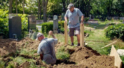 Preisträger in der Kategorie Fernsehdokumentarfilm ist Leben für den Tod – Menschen am Zentralfriedhofvon Karin Berghammer und Krisztina Kerekes. (Foto ORF/Karin Berghammer-Film)