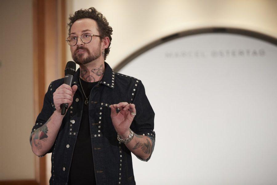 Der erfolgreiche und kreative Designer Marcel Ostertag feiert heuer seine 25. Kollektion (Foto Getty Images)