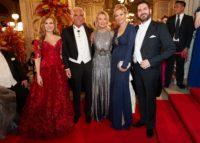 Wiener Opernball 2019: Maria GROßBAUER, Marina GIORI und Ehemann Adalbert LHOTA, Nadja SWAROVSKI und Clemens UNTERREINER (Foto Starpix/ Alexander TUMA)