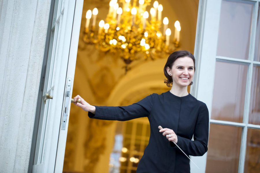 Seit Oksana Lyniv 2017 das Chefpult der Grazer Oper mit Gespür und Temperament übernommen hat, geht es für sie kometenhaft nach oben. (Foto Serhiy Horobets)