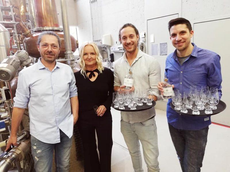 Vor einem Jahr begann die Unternehmerin Susanne Baumann-Cox mit Wolfgang Thomann, dem steirischen Gin-Experten und Eigentümer der Aeijst-Brennerei im steirischen St. Nikolai im Sausal, einen Gin zu kreieren - das herrlich schmeckende Ergebnis ist der The Good Gin (Foto Christina Dow)