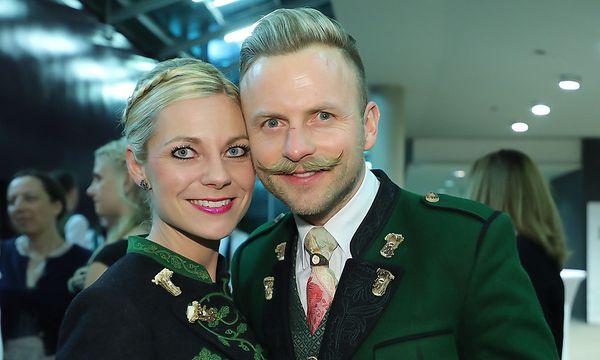 Willi Gabalier, im Bild mit Gattin Christina, hatte die Choreografie der Polonaise in der Grazer Stadthalle über (Foto Oliver Wolf )
