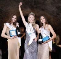 Die frisch gekürten Missen Vize-Miss Styria Lisa Christina Fogel, Miss Styria 2019 Larissa Robitschko und 3. Platzierte Birgit Kogler (Foto Jean Van Lülik)
