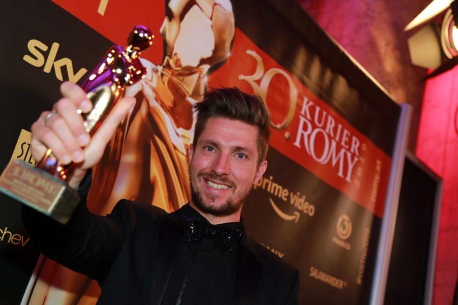 Standing Ovations gab es für Marcel Hirscher, er bekam die Akademie ROMY® für den TV-Moment des Jahres. (Foto KURIER)