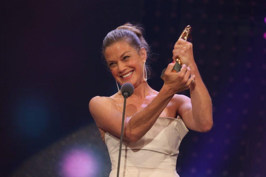 """Als beste Schauspielerin wurdeMarie Bäumer ausgezeichnet, die in ihrer Rolle als Romy Schneider in """"3 Tage in Quiberon"""" überzeugte. (Foto KURIER)"""