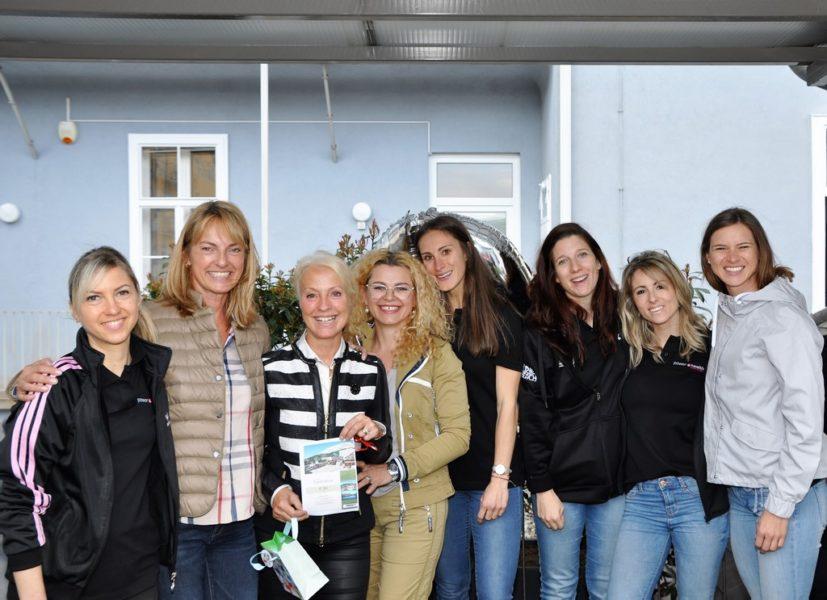 Sabine Dunkler mit ihren bestens ausgebildeten Coaches und zertifizierten Trainern. (Foto Reinhard A.Sudy)