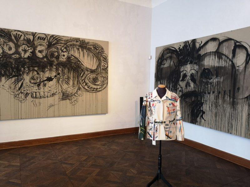 Galerist und Kunsthändler Rudolf Budja lud zur Eröffnung der Oster-Festspielausstellung 'Viva la Vida' in seine Galerie nach Salzburg ein. (Foto Hedi Grager)