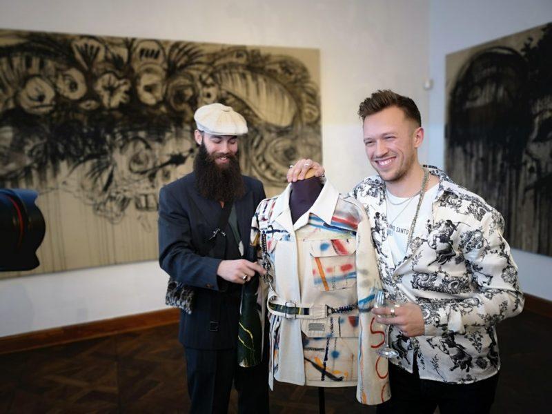 Ergänzend zur Ausstellung wurde 'Abandoned Industry' von PAINSI/SIMONSEN – eine Kollaboration zwischen dem österreichischen zeitgenössischen Künstler Alessandro Painsi und dem dänischen Modedesigner Kristoffer Simonsen, präsentiert. (Foto Hedi Grager)
