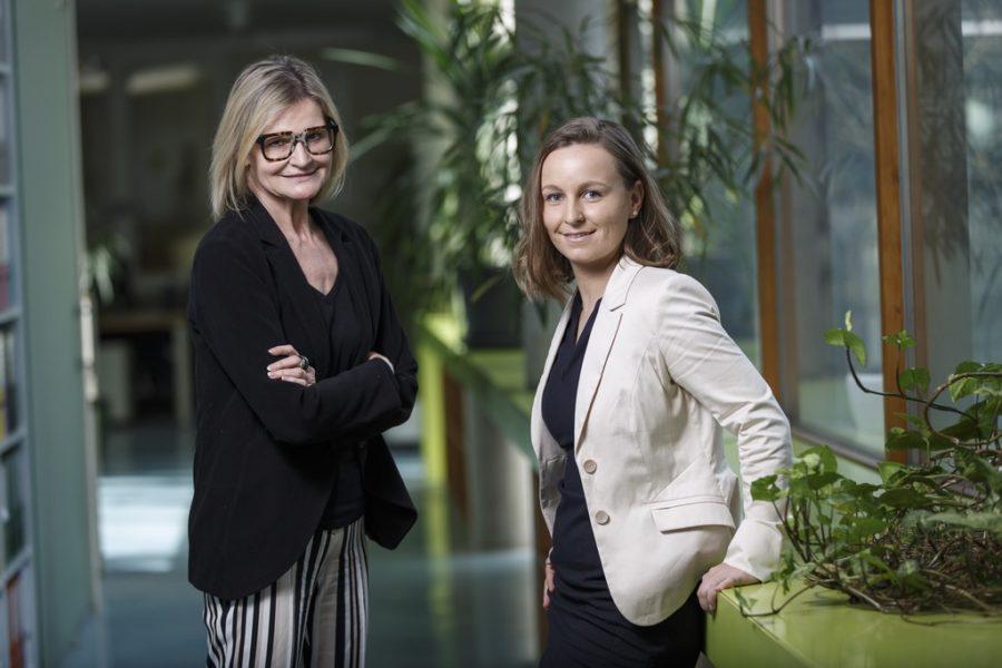 Journalistin Hedi Grager zu Besuch bei Dipl.-Ing. Tanja Goschv im steirischen Softwarehersteller Boom Software AG. (Foto Thomas Luef)