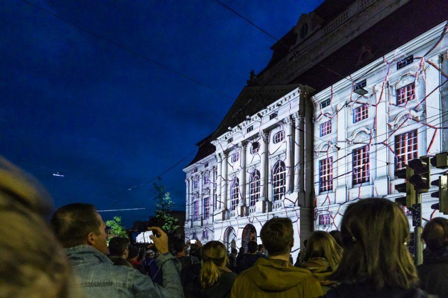 KLANGLICHT 2019: Diplopia von Onionlab am Kaiser-Josef-Platz (Foto Marija Kanizaj)