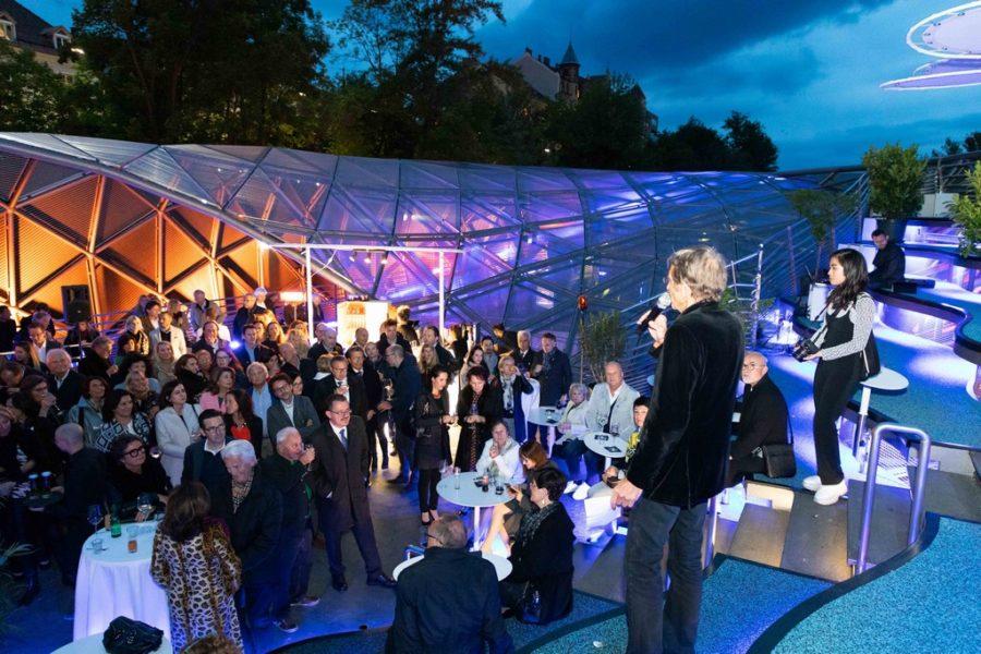 Hans Schullin erzählt seinen Gästen die Medusa-Legende (Foto GEOPHO – Jorj Konstantinov Photography)