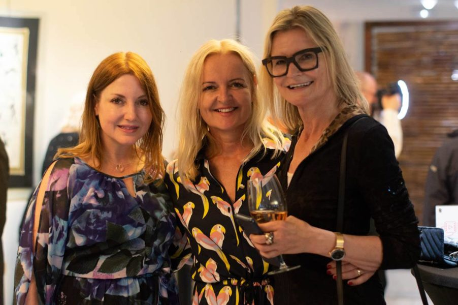 "Co-Founder of FRFF Nicole Muj, Susanne Baumann Cox - Sponsor with ""The Good Gin"" and Hedi Grager, Journalist and Publisher www.hedigrager.com (Foto Reinhard Sudy)"