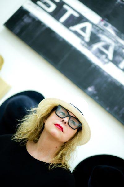 Heidi Kriz ist Architektin und Designerin, Denkerin und Visionärin - und sie trägt gerne Hüte. (Foto Anita Kernbauer)