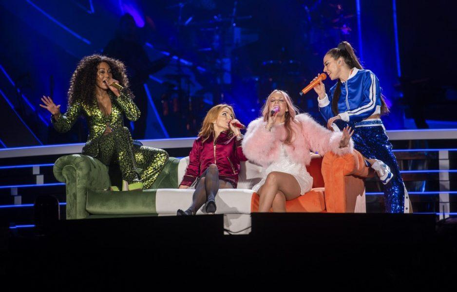 Gabriella Slade entwarf für jeden Act der Spice Girls Show einzigartige Kostüme, besetzt mit Swarovski-Kristallen und Perlen.(Foto Andrew Timms)