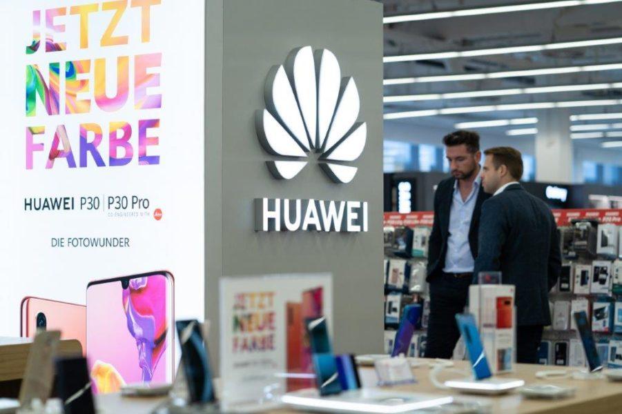 Ausführliche Beratung und große Auswahl auch im neuen HUAWEI-Corner. (Foto MediaMarkt)