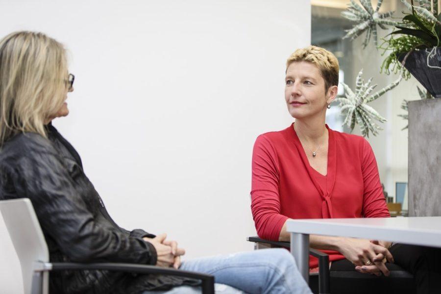 """Persönlicher Erfolg ist für Dr. Petra Kotnik, """"wenn ich das Ziel, das ich mir persönlich gesteckt habe und das für Außenstehendevielleicht gar nicht so großist, geschafft habe."""" (Foto Thomas Luef)"""