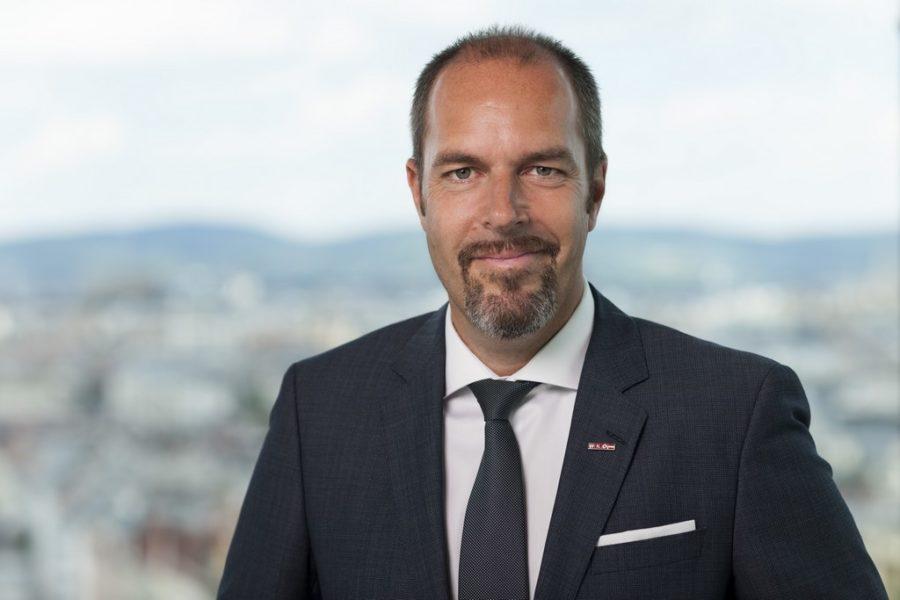 """Öl-Händler und WKO-Vizepräsident Mag. Jürgen Roth: """"think global und think big"""". (Foto Kurt Keinrath)"""