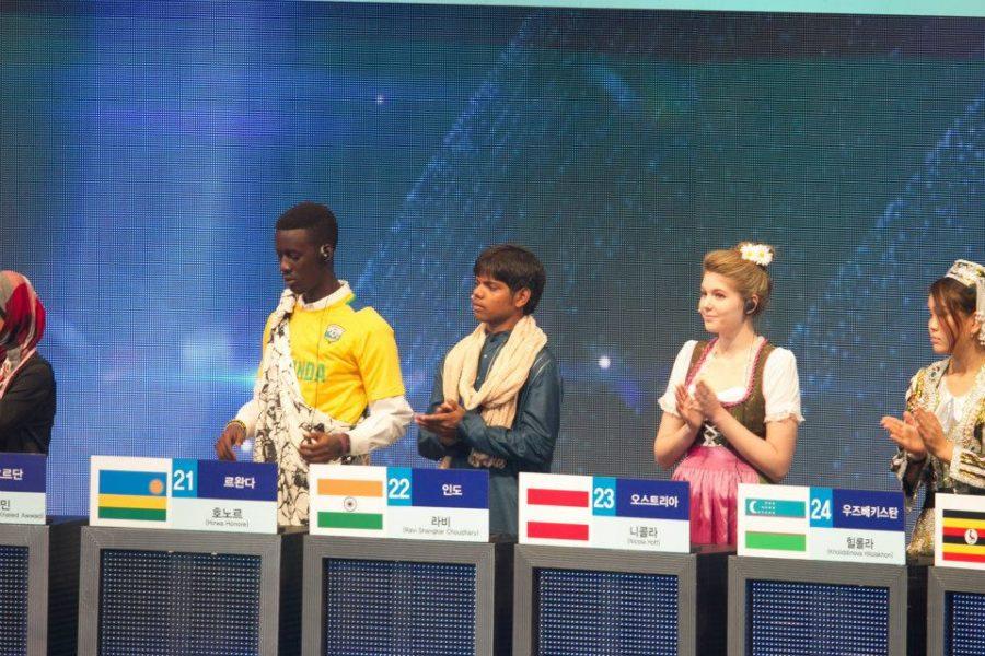 Nicola Hoff nahm 2013 an einem Wettbewerb über Korea teil, gewann den 1. Platz und wurde als österreichische Repräsentantin zu einer Quizsendung im koreanischen Fernsehen nach Korea eingeladen. (Foto privat)