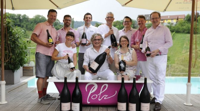 """PINK & WHITE – die Bubble Night"" am Pössnitzberg"