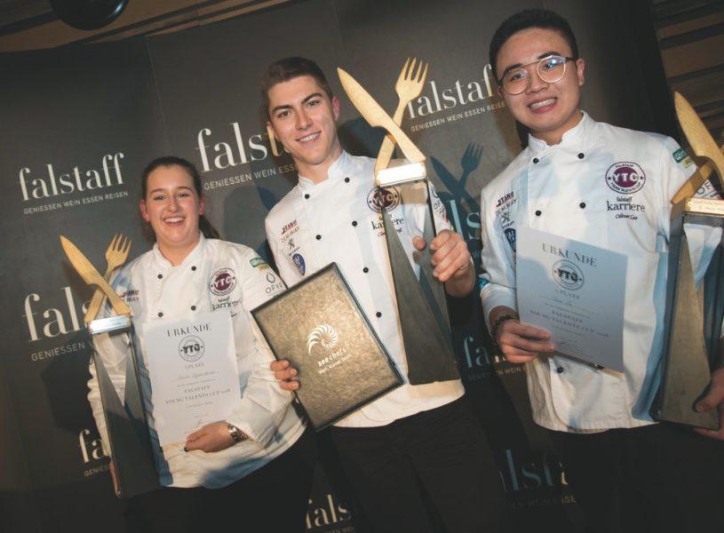 Die 3 Sieger im Bereich Küche: Platz drei ging an Emilia Eppensteiner, Platz eins Clemens Groß, Platz zwei Oliver Lee.(Foto Cornelia Pail)