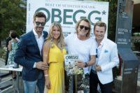 Die OBEGG - Best of Südsteiermark-Herausgeber Michael Lameraner und Adi Weiss, in ihrer Mitte Schlagerstar-Duo Simone Stelzer & Charly Brunner. (Foto Simon Fortmüller)