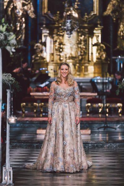 Ein Highlight warStar-Tänzerin Maria Santner, die das erste Mal nach dem Opernball ihre Traumrobe von Eva Poleschinski wieder vorführte. (Foto A twist of Lemon)
