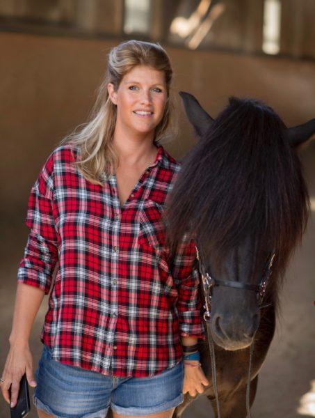 Gwendolin Szyszkowitz-Schwingel liebt Island-Pferde, hier mit 'Hrafn vom Schlossberg'. (Foto Christian Jungwirth)