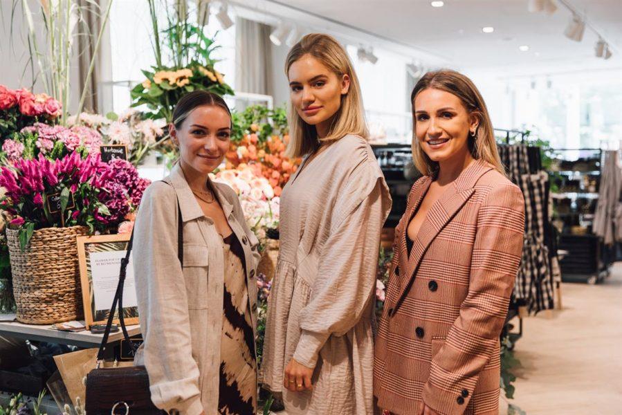 Bei der Eröffnung des Flagship Stores waren auch Influencerin Viktoria J. Hutter, Influencerin Hristina Micevska (Fleur de Mode) und Influencerin Julia Fodor (Jay Rox) mit dabei. (Foto H&M)