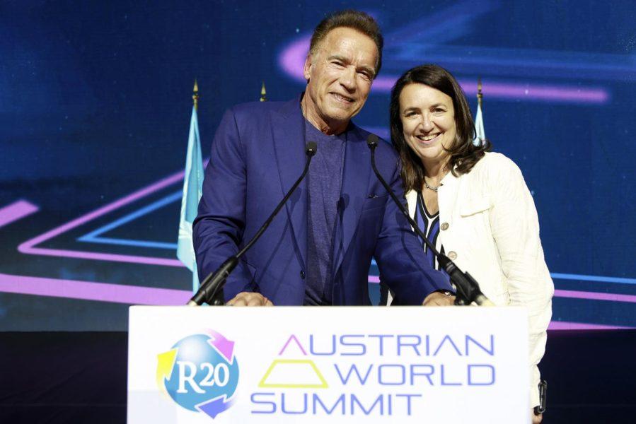 """Monika Langthaler (re) ist Unternehmerin, Geschäftsführende Gesellschafterin von brainbows und Obfrau des Vereins """"R20 Austria & EU"""". (Foto R20 AWS)"""